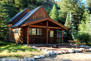 Pet-Friendly Lodging Crested Butte | 3 Rivers